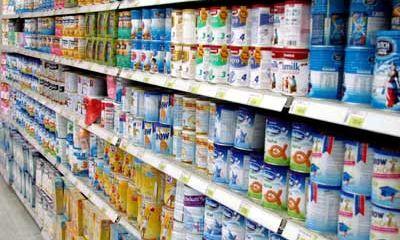 Giá nguyên liệu giảm, giá sữa vẫn cao: