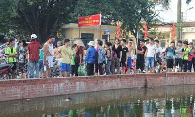 Hà Nội: Xác phụ nữ nổi trên hồ Triều Khúc