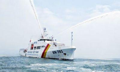 Tàu kiểm ngư hiện đại nhất có bãi đỗ trực thăng về đến Vũng Tàu