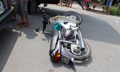 Đồng Nai: Xe tải tông xe máy, một phụ nữ nguy kịch