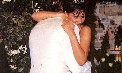 Victoria Beckham khoe ảnh cưới của 15 năm trước.