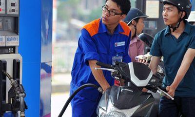Giá xăng hôm nay (13/10) tiếp tục giảm 670 đồng/lít