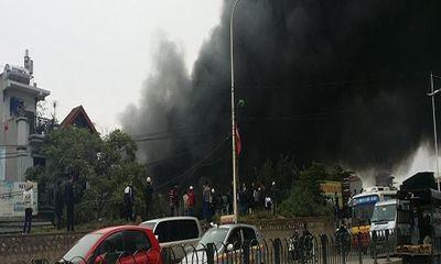 Tiểu thương khóc ròng vì cháy chợ Nhật Tân vào cuối năm