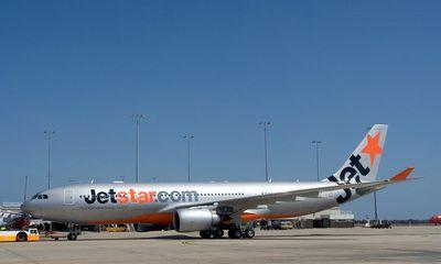 Jetstar Pacific lại hủy chuyến bay vì... chim