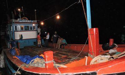 Thêm một tàu cá Việt Nam bị Trung Quốc đập phá hung hăng