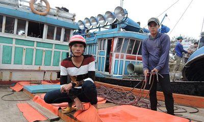 3 tàu cá Việt Nam bị tàu Trung Quốc đập phá, cướp tài sản