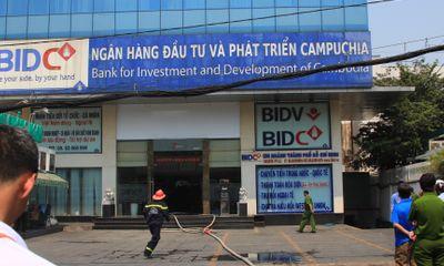Cháy bên trong chi nhánh ngân hàng BIDC ngay trung tâm Sài Gòn
