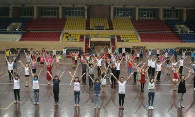 Hơn 200 vũ công mở màn Bước nhảy hoàn vũ 2015