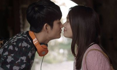 Tuổi thanh xuân tập 17: Nhã Phương - Kang Tae Oh liên tục ôm hôn ngọt ngào