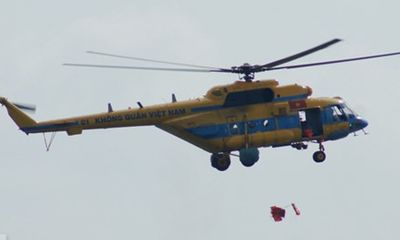 Vụ máy bay rơi ở Hòa Lạc: Vì sao chiến sĩ không nhảy dù?