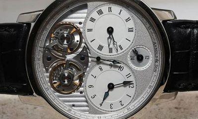 Cận cảnh siêu đồng hồ gần 1 tỷ đầu tiên ở Việt Nam