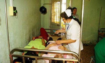 Sau bữa ăn trưa, hơn 100 công nhân nhập viện tại Trà Vinh