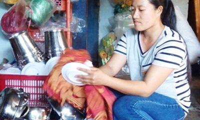 Miền Nam - Nữ nhân viên giúp việc trả lại 40 triệu đồng cho người đánh rơi