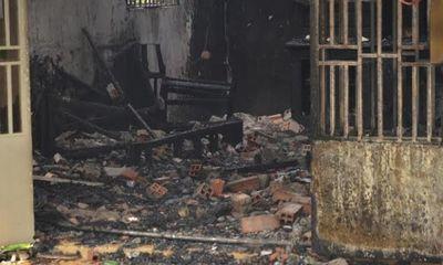 Nổ lớn, căn nhà 2 tầng bốc cháy dữ dội