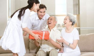 Nàng dâu sung sướng vì có bố mẹ chồng