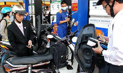 Quỹ bình ổn xăng dầu: Petrolimex dư 2.200 tỷ đồng