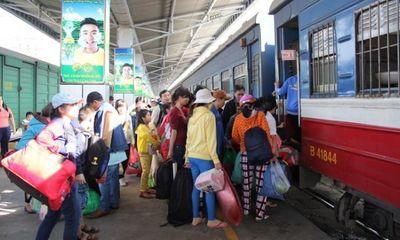 Các ga tàu, bến xe bắt đầu phục vụ hành khách Tết Nguyên đán
