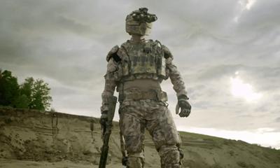Video: Cận cảnh áo giáp 'khủng' chống đạn từ đầu đến chân