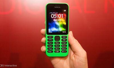 Video 'đập hộp' Nokia 215 - Điện thoại pin 'khủng' chờ gần 1 tháng