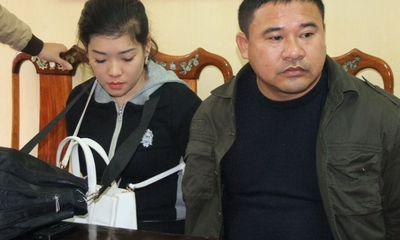Bắt nóng cặp đôi đang giao dịch 2kg ma túy đá