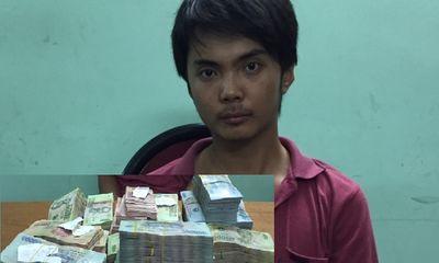 Ẩn nấp trong nhà chủ hơn 6 tiếng để trộm 1,3 tỷ đồng