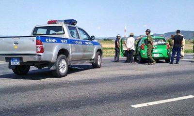 Hiện trường - Quảng Bình: Truy đuổi nóng xe taxi chở