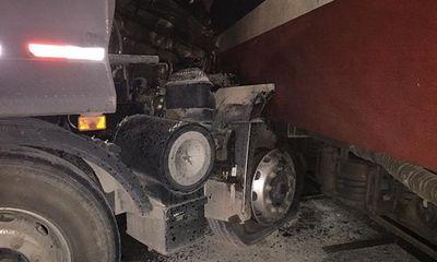Tàu hỏa đâm xe tải, 3 người trong một gia đình thương vong