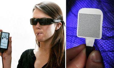 Chính thức bán thiết bị giúp người mù nhìn đường... bằng lưỡi