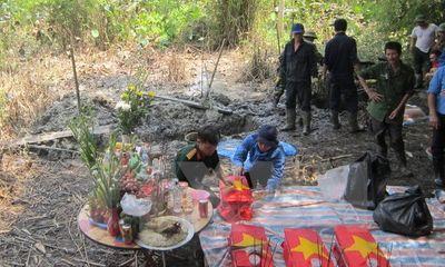 Hiện trường - Cất bốc, quy tập 16 mộ liệt sĩ tại huyện Hà Trung (Thanh Hóa)