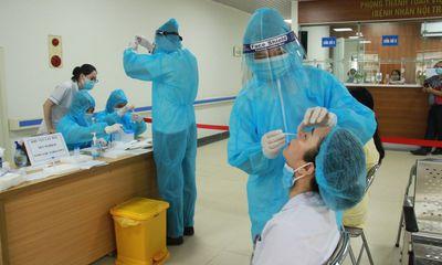 Cặp vợ chồng dương tính lần 1 với SARS-CoV-2 ở Hà Nội: Lịch trình di chuyển dày đặc