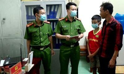 Đi lạc cách nhà hơn 100km, bé trai 13 tuổi được công an giúp đỡ