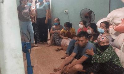 Hà Tĩnh: Bố mẹ đau đớn phát hiện hai con tử vong dưới ao nước mới đào