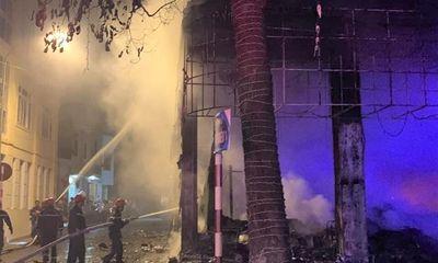 Vụ cháy phòng trà ở TP.Vinh, 6 người chết: Nhân chứng kể phút kinh hoàng