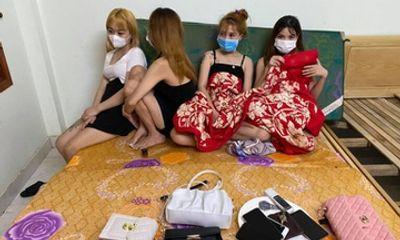 Tin tức pháp luật ngày 14/8: Phát hiện 4 nam, 4 nữ thuê nhà nghỉ 555 ở Thái Nguyên