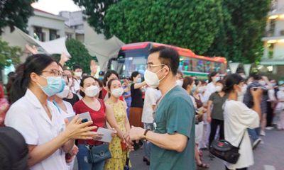 1500 thầy trò trường CĐ Y tế Bạch Mai cấp tốc lên đường trong đêm chi viện cho TP.HCM