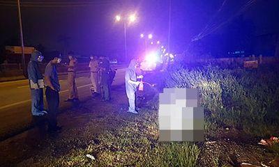 Vụ 2 thanh niên khiêng người bị tai nạn tử vong vào lề rồi trộm xe máy: Camera ghi lại gì?