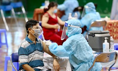 Bộ Y tế đề nghị TP.HCM báo cáo về tiến độ và kết quả tiêm vaccine COVID-19