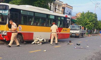 Va chạm kinh hoàng với xe buýt, nam sinh 15 tuổi tử vong thương tâm