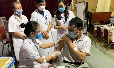Hà Nội đạt kỷ lục về số mũi tiêm vaccine COVID-19 trong một ngày