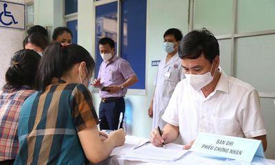 Vụ cô giáo tiêm 2 mũi vaccine cách nhau chỉ 10 phút: Sở Y tế Quảng Bình thông tin chính thức