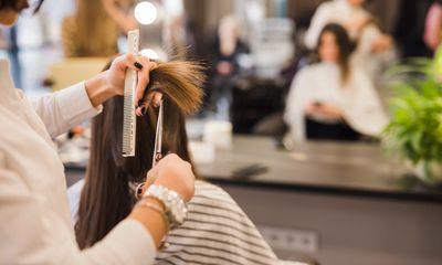 Hà Nội phát hiện một thợ cắt tóc dương tính SARS-CoV-2, làm việc tại quận Cầu Giấy