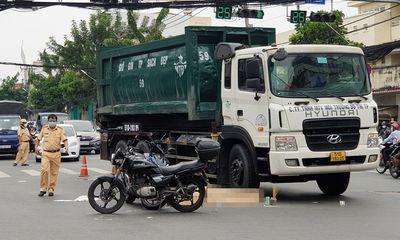 Va chạm với xe chở rác, 1 người ở TP.HCM tử vong: Nhân chứng nói gì?