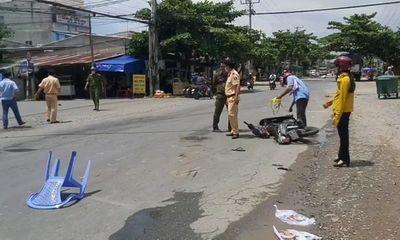 Va chạm kinh hoàng với xe tải, người phụ nữ bị cán tử vong thương tâm