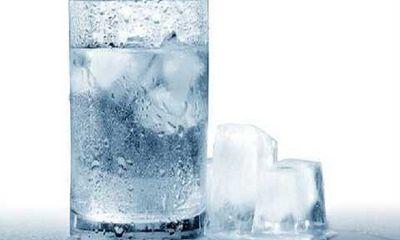 Nước đá giải nhiệt, đã cơn khát ngày nóng nhưng ẩn chứa tác hại khôn lường