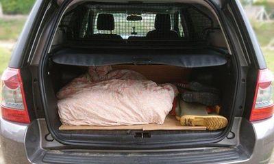 Người đàn ông bất ngờ bị nghi giấu thi thể trong xe chỉ vì đồ vật chuẩn bị cho chó cưng