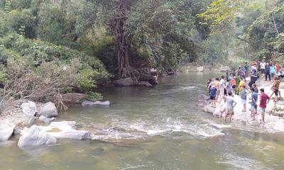 Hai người đuối nước tử vong thương tâm khi ra thác tắm