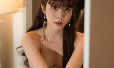 """Hoa hậu Huỳnh Vy hóa vũ công ballet, khoe thân hình """"đồng hồ cát"""" đón tuổi mới"""