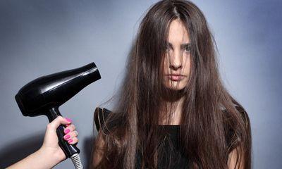 Mái tóc càng chăm sóc càng khô và xơ rối chỉ vì 7 sai lầm nhiều người mắc