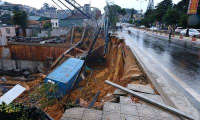 Đà Lạt: Đường ống dẫn nước bất ngờ phát nổ gây sạt lở nghiêm trọng