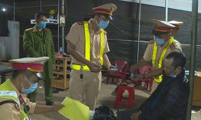 Đối tượng tàng trữ súng hối lộ CSGT 100 triệu đồng để xin bỏ qua